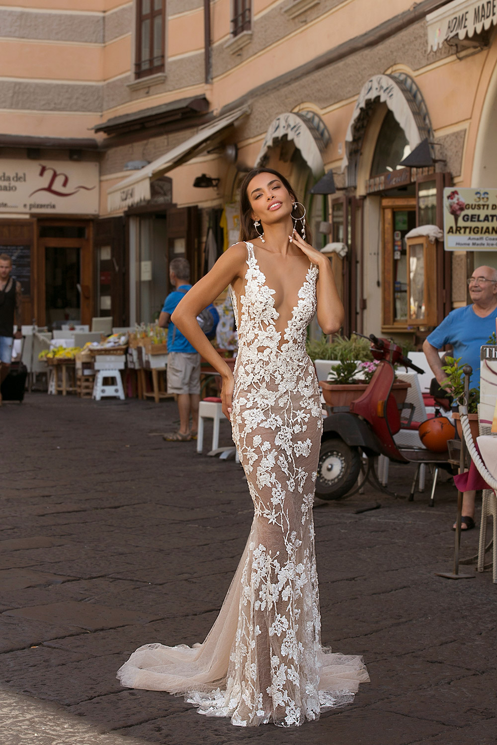 Berta Privée Fall 2020 Collection. www.theweddingnotebook.com