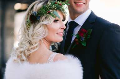 fresh look design bride wearing a greenery crown