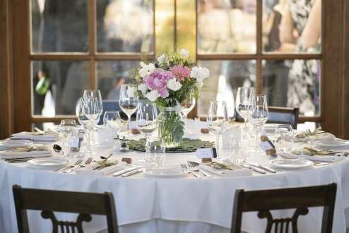 Photo: Anne Edgar Photography | Venue: Peninsula Ridge Winery