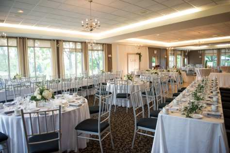 Venue: Craigowen Golf Course | Photo: Kelly Taylor - The Bridal Lounge