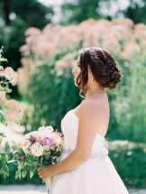 Photo: Whitney Heard Photography | Venue: Harding Waterfront Estate