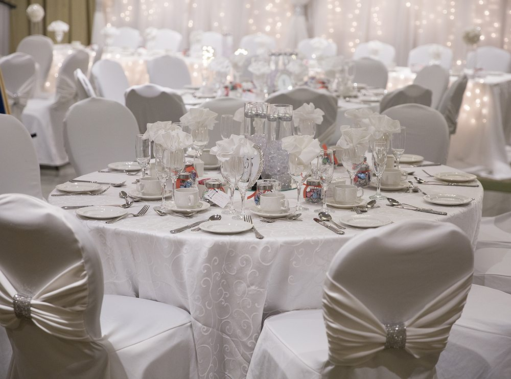 Venue: Best Western Lamplighter Inn | Photo: Lori Beneteau Photography