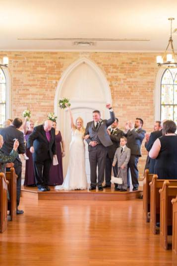 The Rose Chapel, London Ontario, at Best Western Stoneridge Inn | Photo: Life is Beautiful Photography