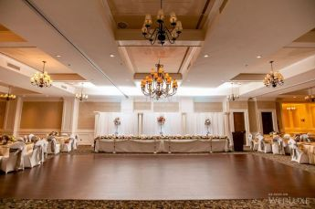 Venue: Prestige Oceanfront | Photos by Deanna McCollum and Ashley & Brandon Photography/Jon Mark Photography