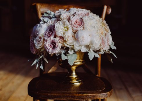 Photo: Anne Edgar Photography | Floral Design: La Petite Fleur