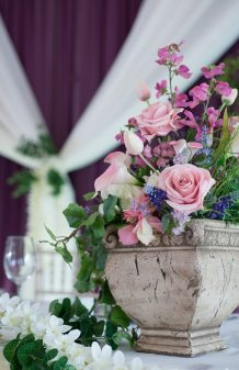 Venue: Stratford Country Club | Decor: Devine Wedding Design
