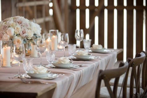 Photo: Anne Edgar Photography | Vintage Decor: Warehouse 84