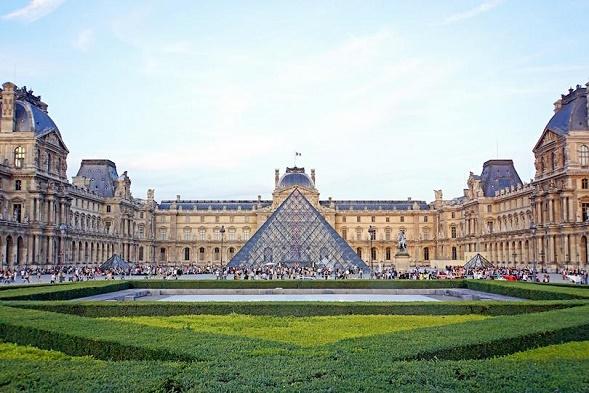 (4) Paris 1