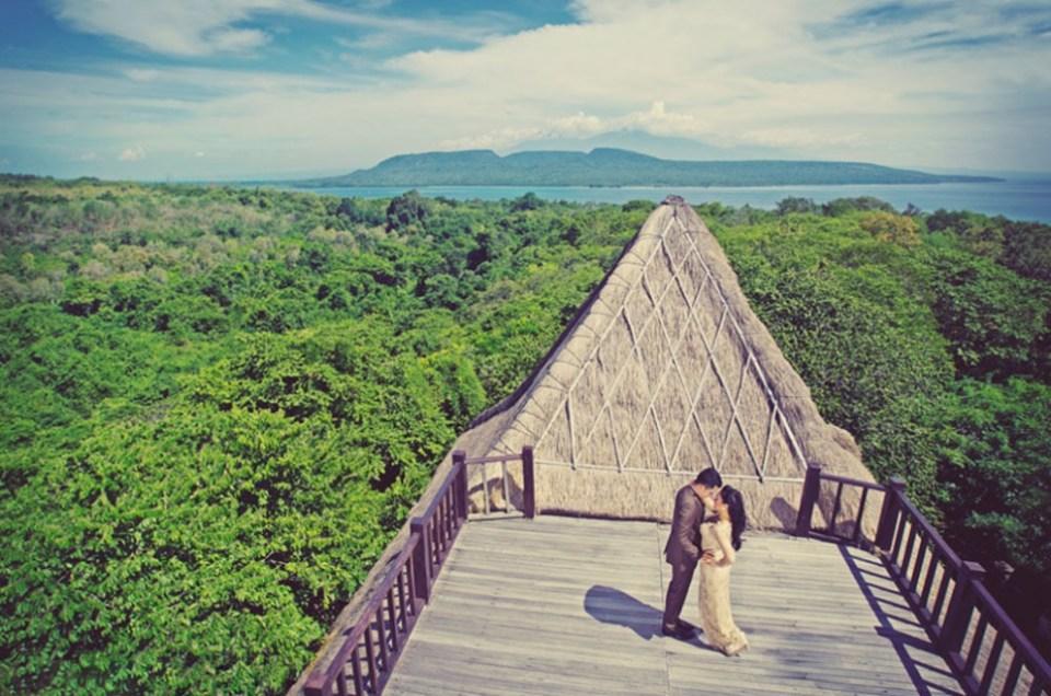 pre-wedding photoshoot locations indonesia - West Bali National Park - TripCanvas