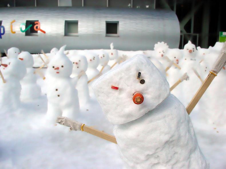 Hokkaido-Honeymoon-Sapporo-Snow-Festival-Japan-Talk