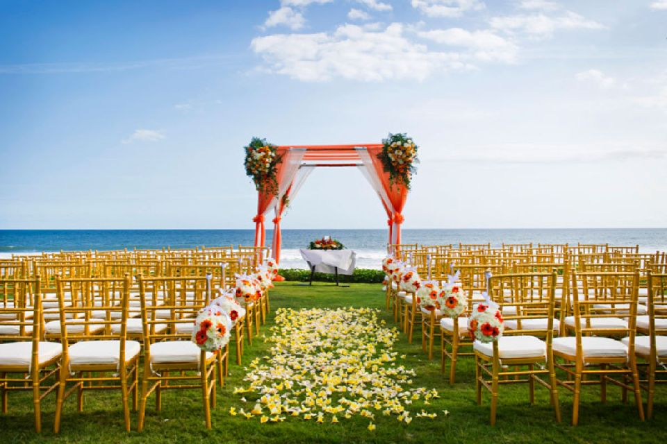 Photo via Bali Wedding Solutions