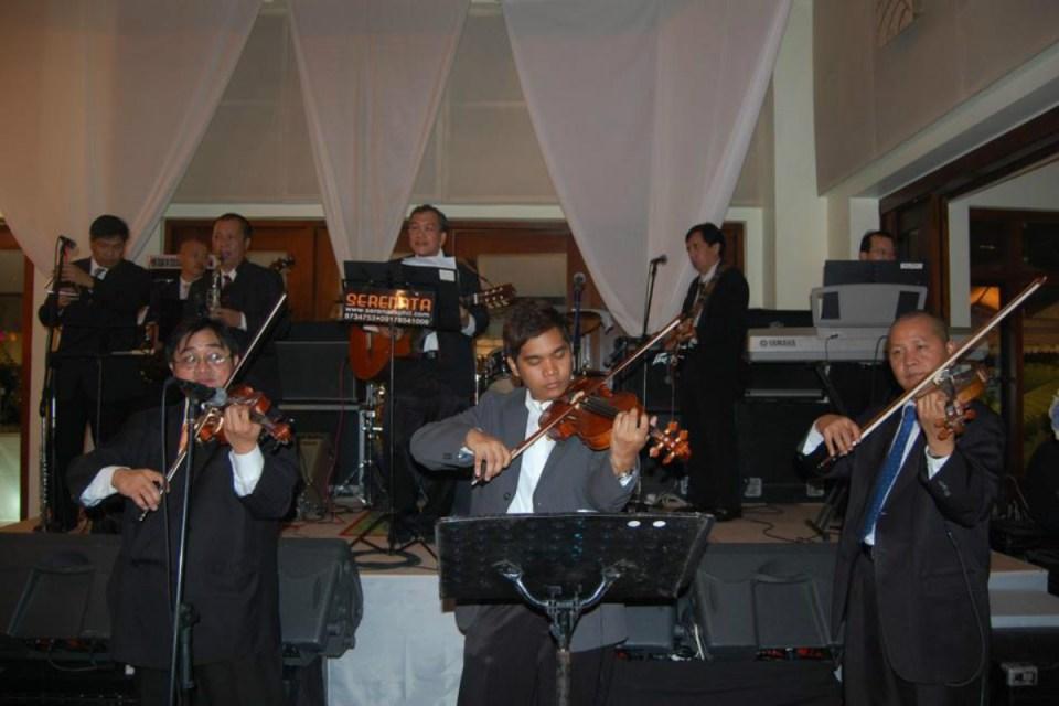 Photo via Serenata Strings