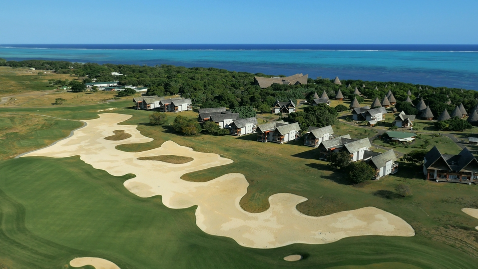 New Caledonia Honeymoon - West Coast - LeClub Golf