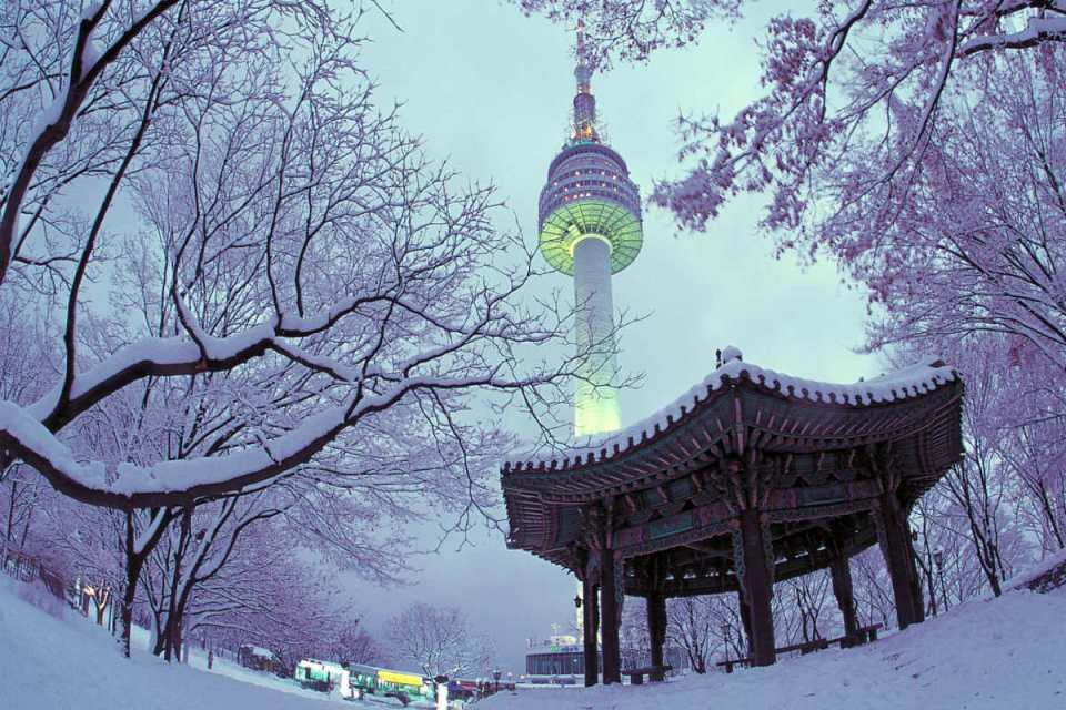 KoreaHoneymoon-SeoulTower-travel assets