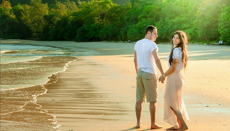 beach wedding venues malaysia - The Datai Langkawi - Alex Tan Artworks