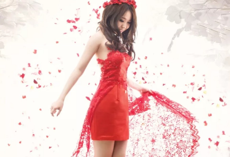 evening gown indonesia - MEDICALEVINA Atelier - Bridestory