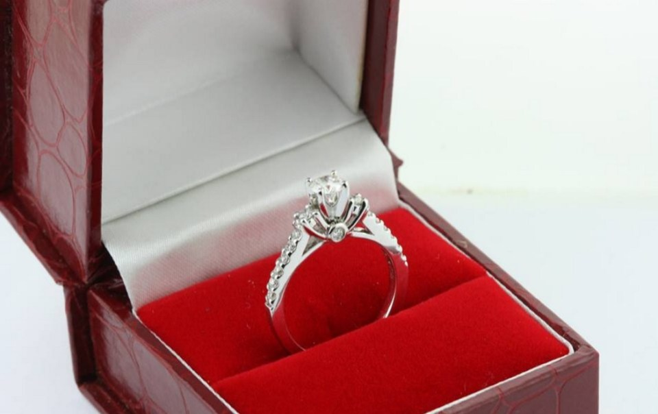 wedding rings indonesia - Diagold