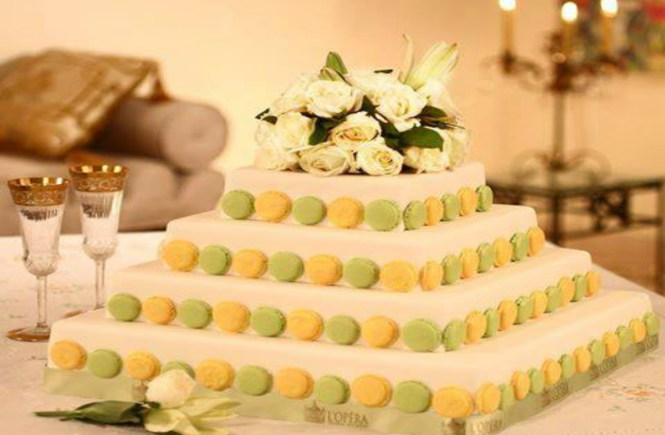 Wedding Cakes Are Not Just A Dessert That You Eat After Your Main Dish When Dining In It Is Placed The Center Of Ceremony Like An Altar