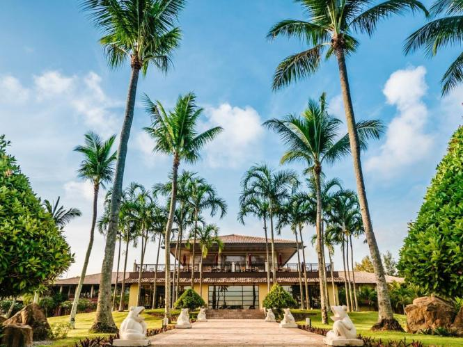 Just an hour ferry ride away from Singapore is Nirwana Gardens  a humongous  integrated beach resort that spans over 330 hectares and offers not only 1. Nirwana Gardens   Experience Honeymoon Bliss on Bintan Island