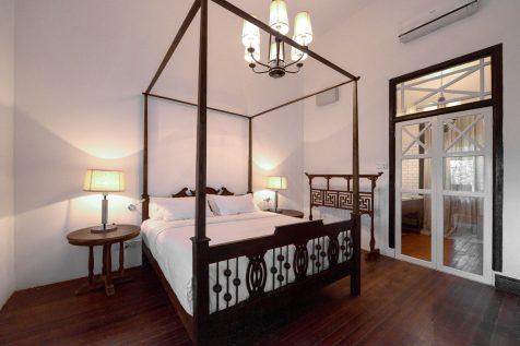 Crib (Bedroom)