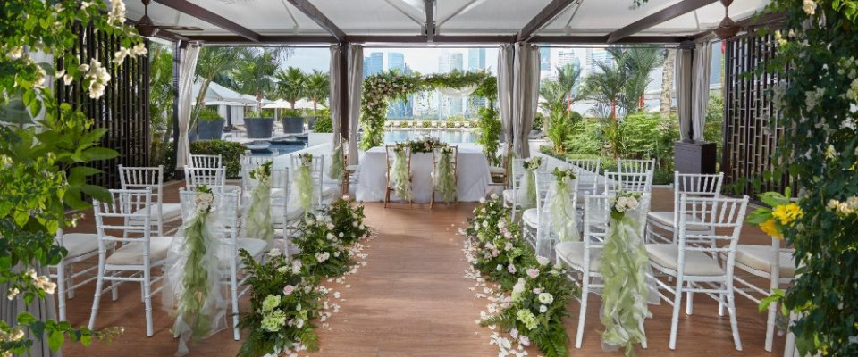 Mandarin Oriental poolside wedding