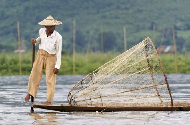 Myanmar Honeymoon - Inle Lake Traditional Fisherman - Jakubhal