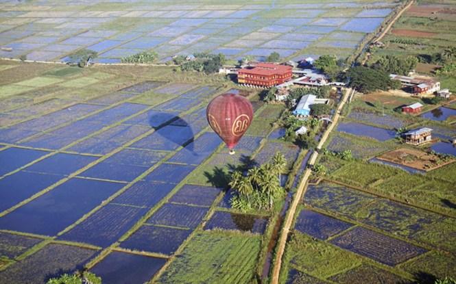 Myanmar Honeymoon - Inle Lake Hot Air Balloon - Balloons Over Bagan