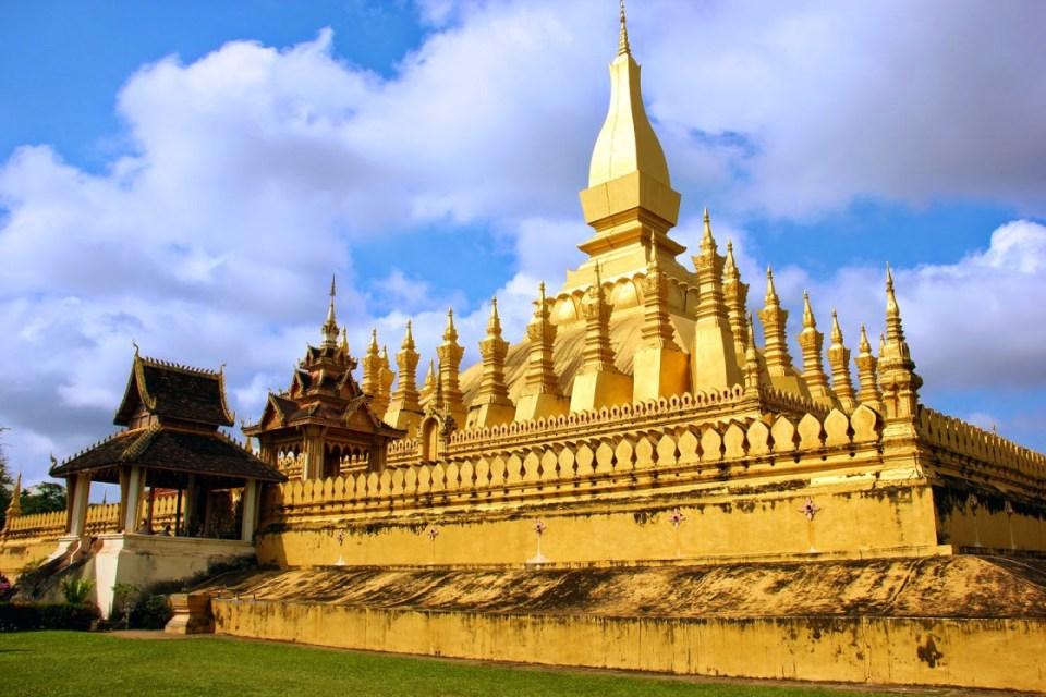 laos honeymoon Pha That Luang