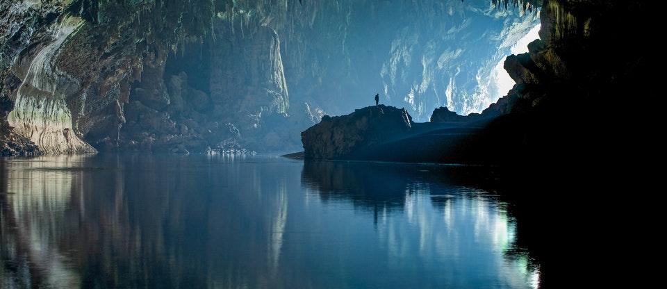 laos honeymoon Vieng Xai Caves
