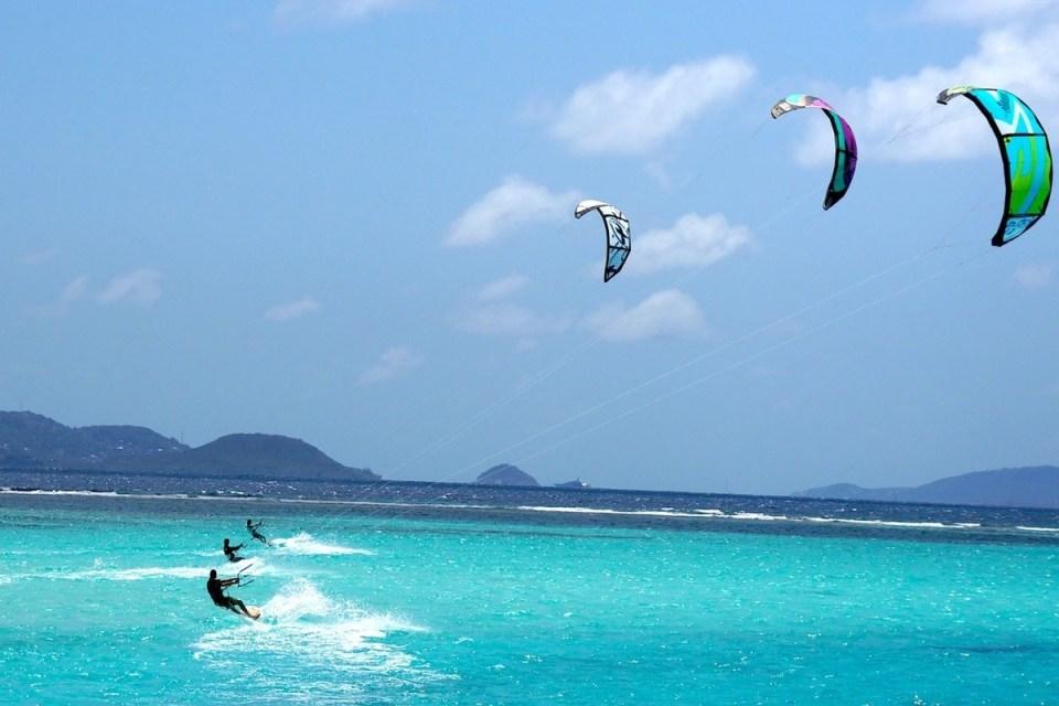 kite surfing sanur beach