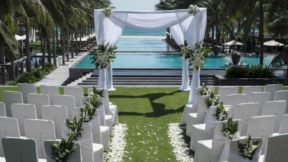 vietnam wedding venues poolside wedding