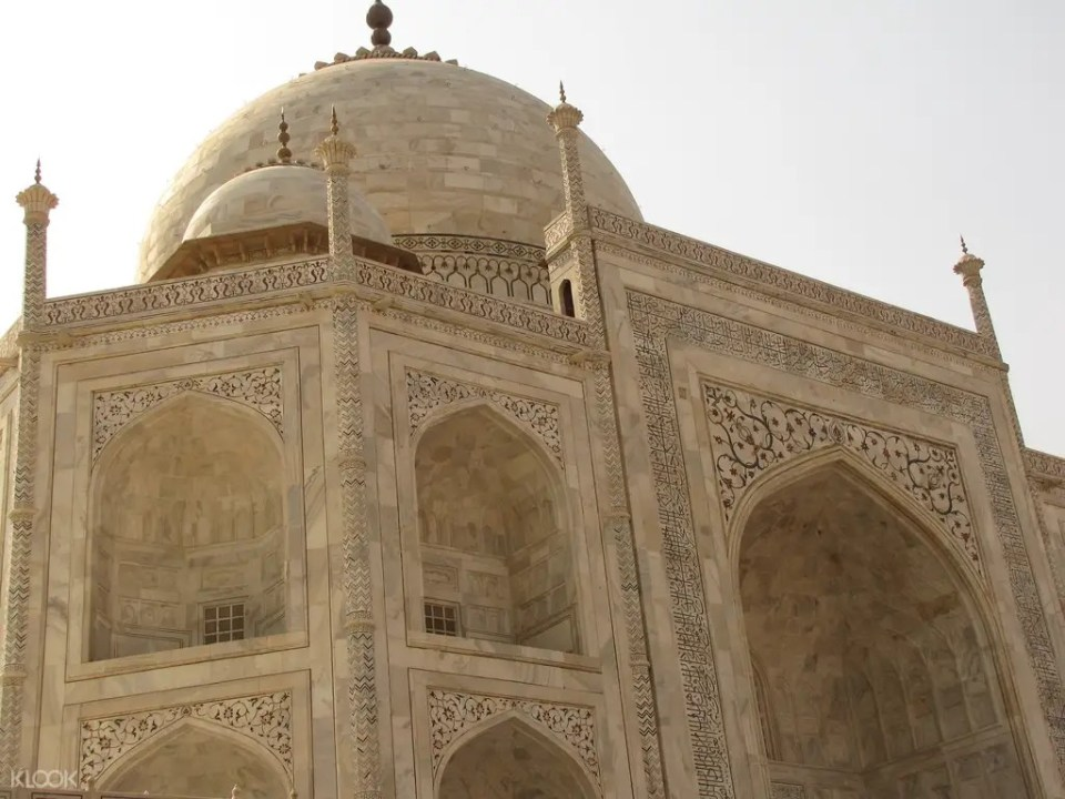 Taj Mahal and Agra Fort Day Tour from Delhi