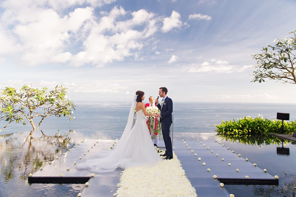 wedding venues indonesia seaview