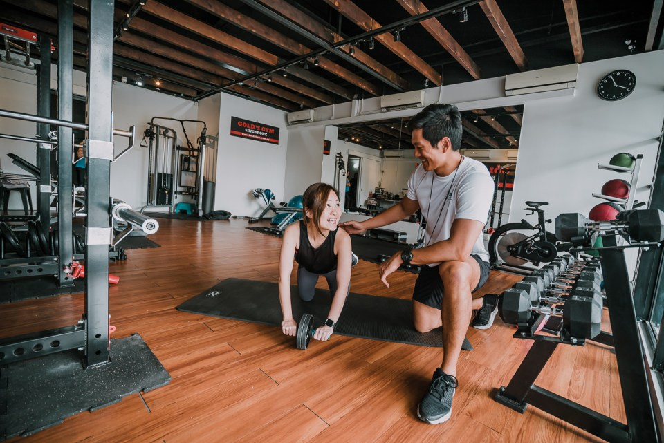 gold's gym personal trainers singapore