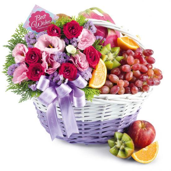 Humming Flowers & Gifts fruit basket