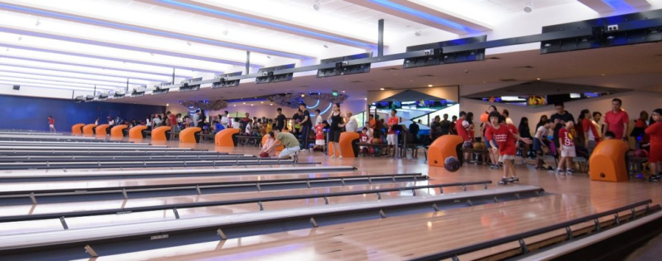 Sonic Bowl bowling alley in singapore