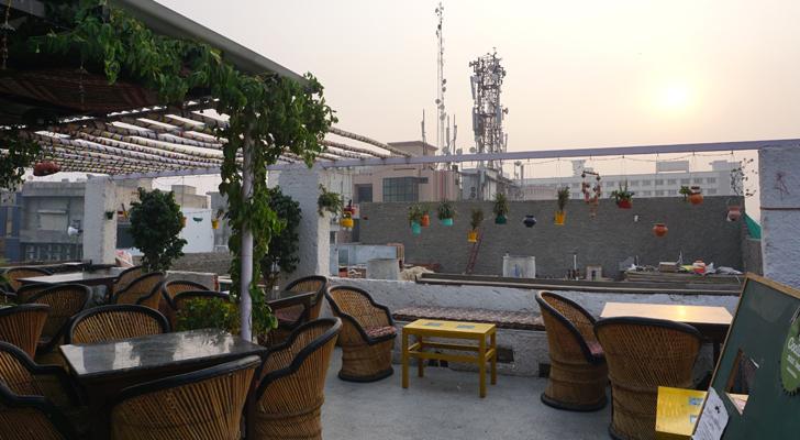 Moustache Hostel Jaipur - rooftop restaurant