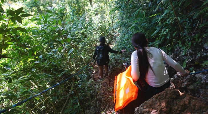 Dinagat island - trek to Lake Bababo