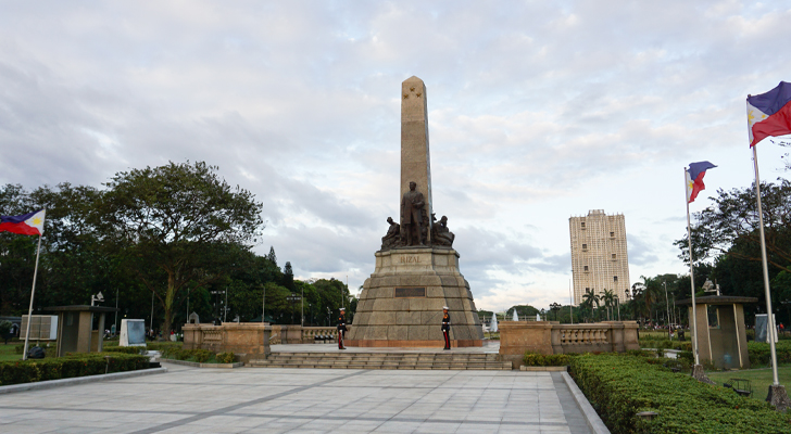 Back in Manila - Rizal Monument