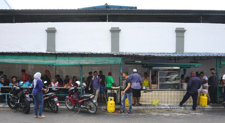 Roti Canai at Transfer Road - streetfood
