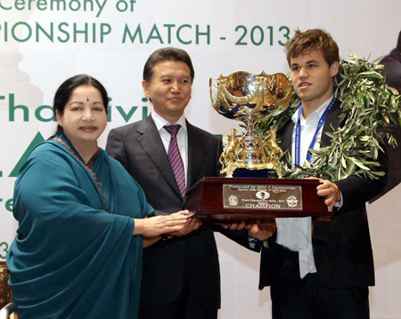 Prize giving with Tamil Nadu Chief Minister Ms J Jayalalitha, Kirsan Ilyumzhinov and Magnus Carlsen