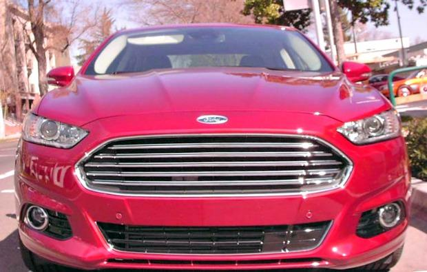 2013 Ford Fusion. Image © Greg Soderlund/2013