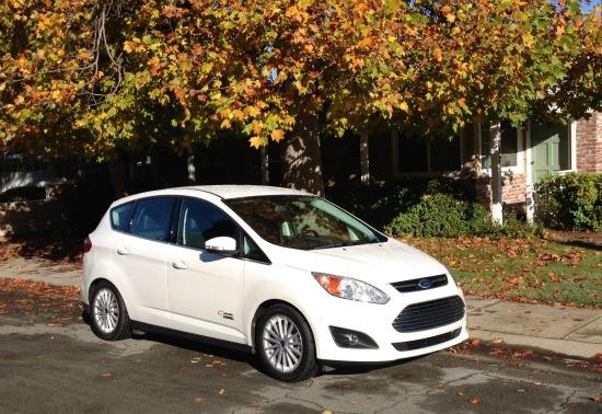 The 2015 Ford C-Max performs like a non-hybrid.