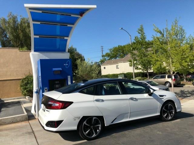 2017 Honda Clarity Fuel Cell Hydrogen Travel Made Worthy