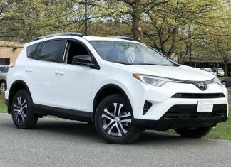 The 2018 Toyota RAV4 retains the traditions of the best-selling SUV.