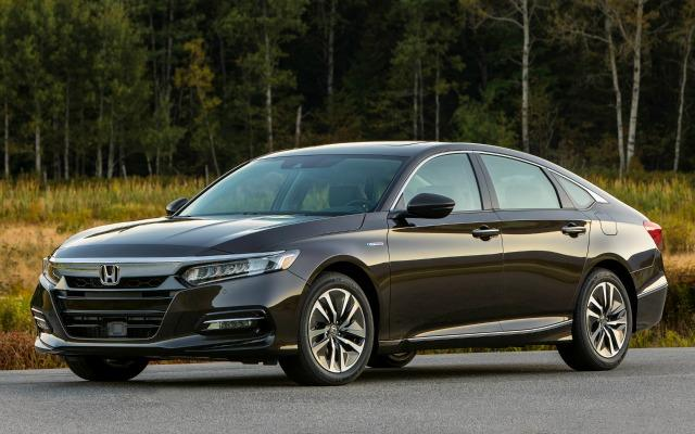 The 2018 Honda Accord has been redesigned inside and outside.