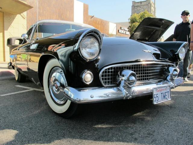 One of the many vintage cars participating in the  2014 Route 66 Cruisin' Reunion.