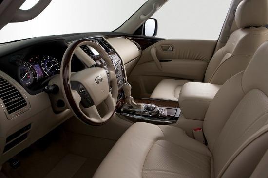 Plush interior, 2013 Infiniti Q56
