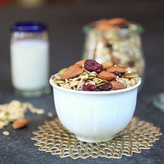Granola with cherries and almonds
