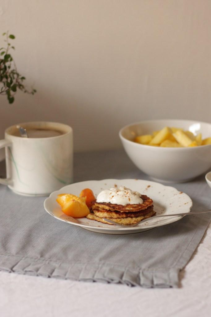 Wie ihr mit nur 3 Zutaten leckere Frühstücks-Pancakes zaubert!